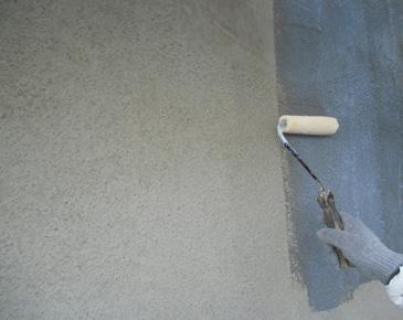 外壁施工中:外壁施工中:カチオンシーラー