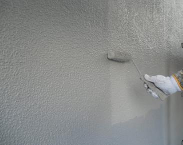 外壁施工中:弾性セラミシリコン 2回目