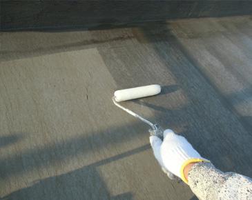 防水施工中:ウレタン防水専用プライマー