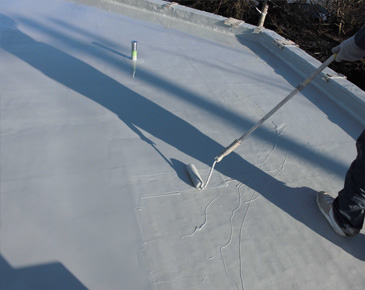床施工中:ウレタン防水2層目
